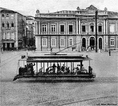 Bonde passando na Praça Municipal Foto provavelmente da década de 10 do  século XX. Observem o antigo palácio dos governadores d6ee9aae56f94