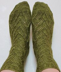 Ravelry: Pisum Socks pattern by verybusymonkey