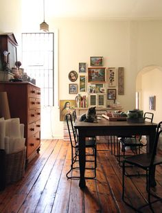 Home of Penelope Durston, http://thedesignfiles.net/2010/12/melbourne-home-penelope-durston/