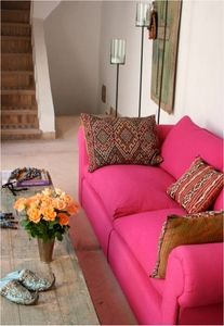 Pink sofa > TV room sofas in this color?