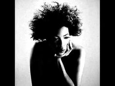 Listen to music from Macy Gray like I Try, Sweet Baby (feat. Find the latest tracks, albums, and images from Macy Gray. Creep Radiohead, Soul Songs, Macy Gray, Neo Soul, Cover Gray, Fashion Gallery, Kinds Of Music, My Favorite Music, Record Producer