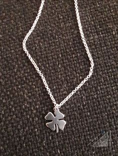 jewel / handmade / pendant / sterling silver / four leaf clover / lucky charm