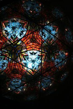 世界最大の万華鏡 Kaleidoscope Images, Midsummer Nights Dream, Cartoon Games, Surface Design, Stained Glass, Artsy, Illustration, Lungs, Schmuck