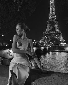 Paris is not a city;Paris is not a city; Black And White Aesthetic, Black N White, Mode Ootd, Classy Aesthetic, Foto Casual, Rich Girl, Looks Style, Belle Photo, Glamour