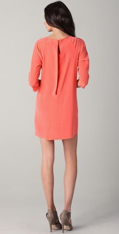 I heart shift dresses right now, especially this one with the keyhole detail on the back!
