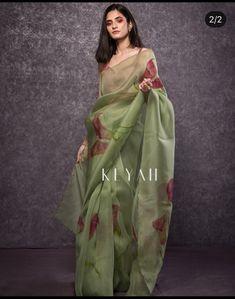 Trendy Sarees, Stylish Sarees, Fancy Sarees, Cotton Saree Designs, Silk Saree Blouse Designs, Dress Indian Style, Indian Fashion Dresses, Elegant Fashion Wear, Silk Sarees Online Shopping