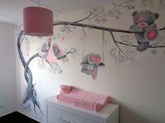 Babykamer muurschildering beertjes: Laat je babykamer stralen door een mooie originele muurschildering! Saskia de Wit werkt door heel Nederland.