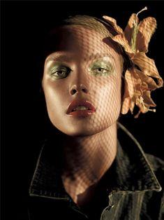 Iridescent Green » Eyeshadow Lipstick