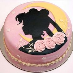 moon cake There's just something about silhouette cakes that are appealing to me. I can't even really put my figure on it to explain to you. But silhouette cakes are just gorgeous. They add Sailor Moon Party, Sailor Moon Cakes, Sailor Moon Birthday, Pretty Cakes, Cute Cakes, Beautiful Cakes, Amazing Cakes, Cake Pink, Rocket Cake