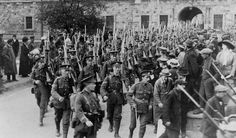 Dublin fusiliers leaving Royal Barracks, Dublin for Gallipoli Great British, British Army, Dublin Street, Barnsley, World War One, Wwi, Troops, Old Photos, Empire