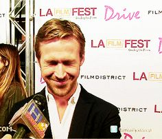 I love it when he does that face! Ryan Gosling is perfection!