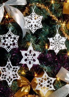 Cro crochet, Crochet snowflake tree decoration, free pattern...