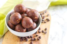 Vegan + Gluten-Free Peanut Butter Chocolate Chip Protein Bites || Eat Spin Run Repeat