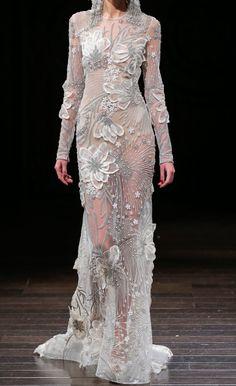 Naeem Khan Gypsy Fashion, Couture Fashion, Fashion Looks, Couture Dresses, Bridal Dresses, Fashion Dresses, Beautiful Gowns, Beautiful Outfits, Naeem Khan Bridal