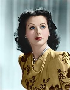 Hedy Lamarr is listed (or ranked) 18 on the list The Twenty Most Beautiful Actresses of All Time Vintage Hollywood, Old Hollywood Glamour, Classic Hollywood, Glamour Hollywoodien, Vintage Glamour, Vintage Beauty, Glamour Photo, Classic Actresses, Hollywood Actresses