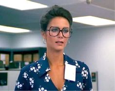 Lynda Carter as Wonder Woman / Diana Prince: my life-long bar for female beauty Linda Carter, Wonder Woman, Divas, Big Glasses, Bionic Woman, Ann Margret, Norma Jeane, Mode Vintage, Vintage Style