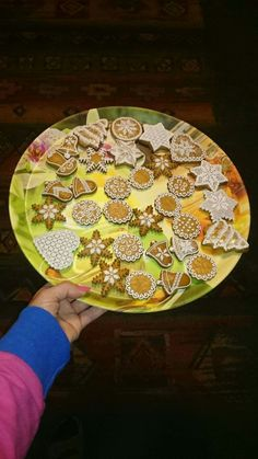 perníky Stepping Stones, Plates, Tableware, Outdoor Decor, Home Decor, Licence Plates, Stair Risers, Dishes, Dinnerware