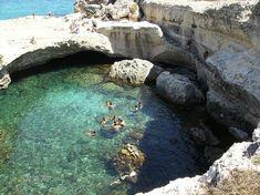 Grotta della Poesia a Roca Vecchia, Melendugno - Puglia - See more at: http://spiaggia.piksun.com/piscine-naturali-mare-italia/#sthash.Wqpp4Avm.dpuf