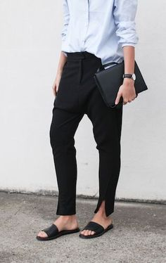 My Style Minimal + Classic Great work outfit Minimal Fashion, Work Fashion, London Fashion, Style Fashion, Mode Style, Style Me, Black And White Outfit, Mode Ab 50, Mode Cool
