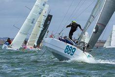 Bertrand Ofcet mini650 Fast Boats, Minis, Sailing, Vehicles, Recliner, Candle, Vehicle
