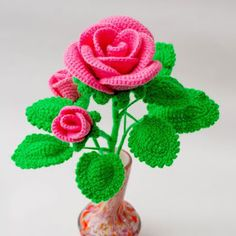 Diy Crafts - Beautiful crocheted rose, A gift to mom. Gift to the girl. Crochet Flower Tutorial, Crochet Flower Patterns, Crochet Daisy, Crochet Doilies, Crafts Beautiful, Beautiful Crochet, Crochet Christmas Decorations, Knitted Flowers, Knitted Dolls