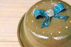 Cerâmica, pottery, boleira, cake, laço