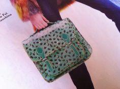 Cartella Naj Oleari anni 80, uno tra i modelli preferiti dalle Squinzie/Squitinzie Symbols, Bags, Style, Handbags, Swag, Bag, Outfits, Glyphs, Totes