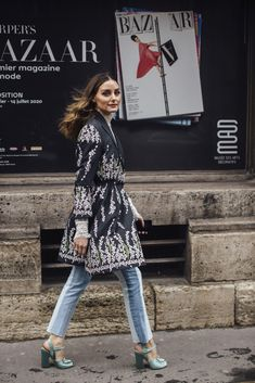 Paris Fashion Week Fall 2020 Street Style Photos Cool Street Fashion, Paris Fashion, Autumn Fashion, Magazine Mode, Autumn Street Style, Olivia Palermo, Fashion Photo, Kimono Top, Fall