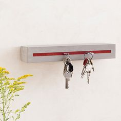 """Key holder """"concrete"""" with felt inlay """"red"""""""
