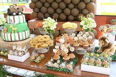 Mamy de Menino: Festa Safari : Lindas idéias! Safari Theme Birthday, Safari Theme Nursery, 1st Birthday Parties, Jungle Party, Safari Party, Jungle Theme, Decor Eventos, Baby Shower Gifts, Baby Gifts