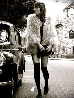 Swinging London Fashion 1965 h Swinging London, 1960s Fashion, London Fashion, Vintage Fashion, Modern 60s Fashion, Street Fashion, Trendy Fashion, Fall Fashion, Hippie Fashion