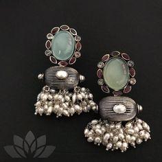Silver Earrings Clip On Referral: 2730401441