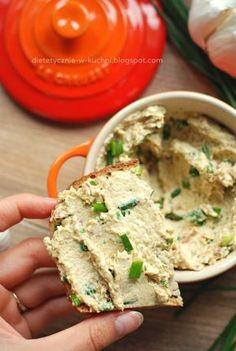 Pasta do chleba z kurczaka i twarogu, prosty przepis