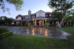 Jessica Simpson's Cape Cod-inspired house