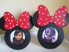 Porta Retrato em Mdf Minie e Mickey