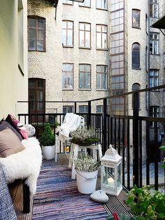 Nice little balcony...