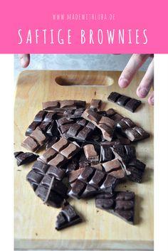 Saftige und schokoladige Brownies passen zu jeder Feier.
