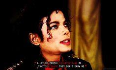 80'ler pop müziğin ahenkli danslarıyla altın çağını yaşıyordu. O altın çağı yaşatanların başında pop'un kralı Michael Jackson geliyordu.