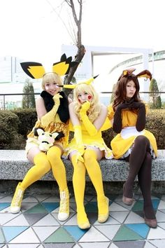 Pikachu evolution cosplays (Pichu, Pikachu & Raichu)