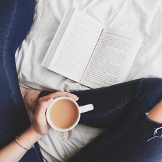 sammyreadsbooks:  Sunday's are for tea and books in bed