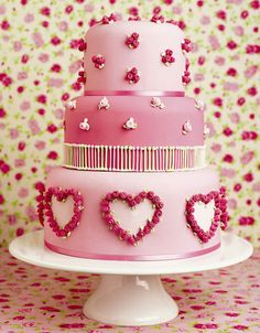 This was the cake that inspired the design of my wedding cake (which didn't turn out as I envisioned but it was close). - Sweet Hearts
