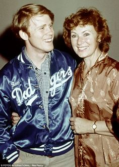 Ron Howard from Happy Days & his on-screen mother.