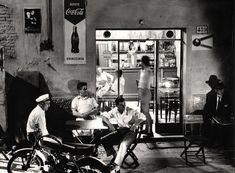NeoRealismo: The New Image in Italy, - The Eye of Photography Magazine Tina Modotti, Photography Articles, Street Photography, Naples, Italian Neorealism, Foto Picture, Napoli Italy, Black White, Regions Of Italy