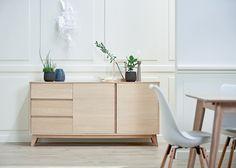 KALBY skjenk, KLARUP spisestol hvit, KALBY spisebord | Classic Living | Skandinaviske hjem, nordisk design, Skandinavisk design, nordiske hjem | JYSK