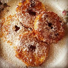 """Bochane Apfelradl"" Doughnut, Desserts, Food, Sweet Stories, Meal, Deserts, Essen, Hoods, Dessert"