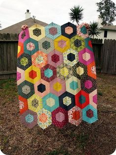 """Gorgeous gorgeous gorgeous! """"Chicopee Hexagon Quilt"""" #quilting # inspiration #sewing #sewmeabernina"""