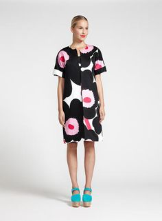 The Finnish brand has cult status among design snobs. Now Marimekko wants to expand by playing up the very thing it got famous for: fashion. Stylish Dress Book, Stylish Dresses, Colourful Outfits, Cool Outfits, Workwear Fashion, Fashion Outfits, Apple Shape Fashion, Marimekko Dress, New Fashion Trends