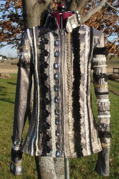 """AVAILABLE:  Gorgeous, LIKE NEW showmanship set for sale; could easily be worn all day, as a western pleasure/riding jacket!   Worn twice; in absolutely perfect condition.  Measurements, additional pics and more info on my FB page, in the """"Showmanship"""" album; should fit a street size 1-3.  https://www.facebook.com/pages/Sittin-Pretty-Show-Clothing/144800302247462"""