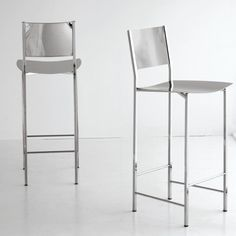 Taburete colección Alessio. Comprar respaldo y asiento en cuero según muestrario. Design: Cà Nova Design.