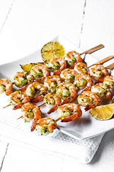 Grilled Pesto Shrimp - with an abundance of basil - think this might just be on the weekend menu! Grilling Recipes, Fish Recipes, Seafood Recipes, Cooking Recipes, Healthy Recipes, Shrimp Dishes, Fish Dishes, Main Dishes, Pesto Shrimp